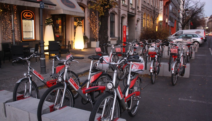 Rent a bike and enjoy the Berlin city sights